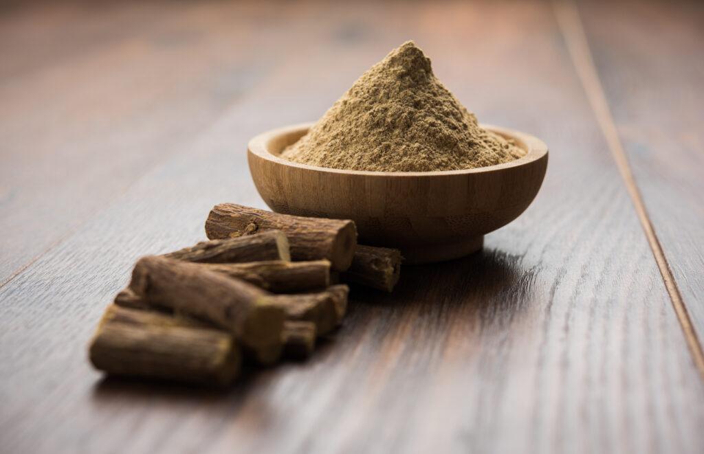 Liquorice root and powder
